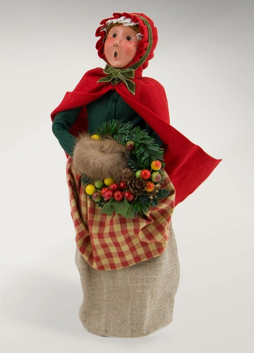 Byers' Choice #5171 Colonial Woman with Wreath