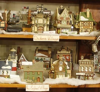 Dept 56 Peanuts Christmas Village